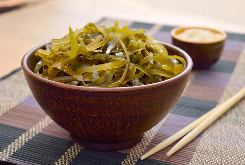 kelp-laminaria-in-a-bowl